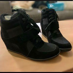 NWT Hidden wedge sneakers/booties